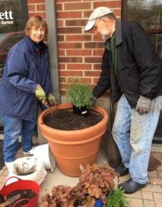 arts in bartlett planter before