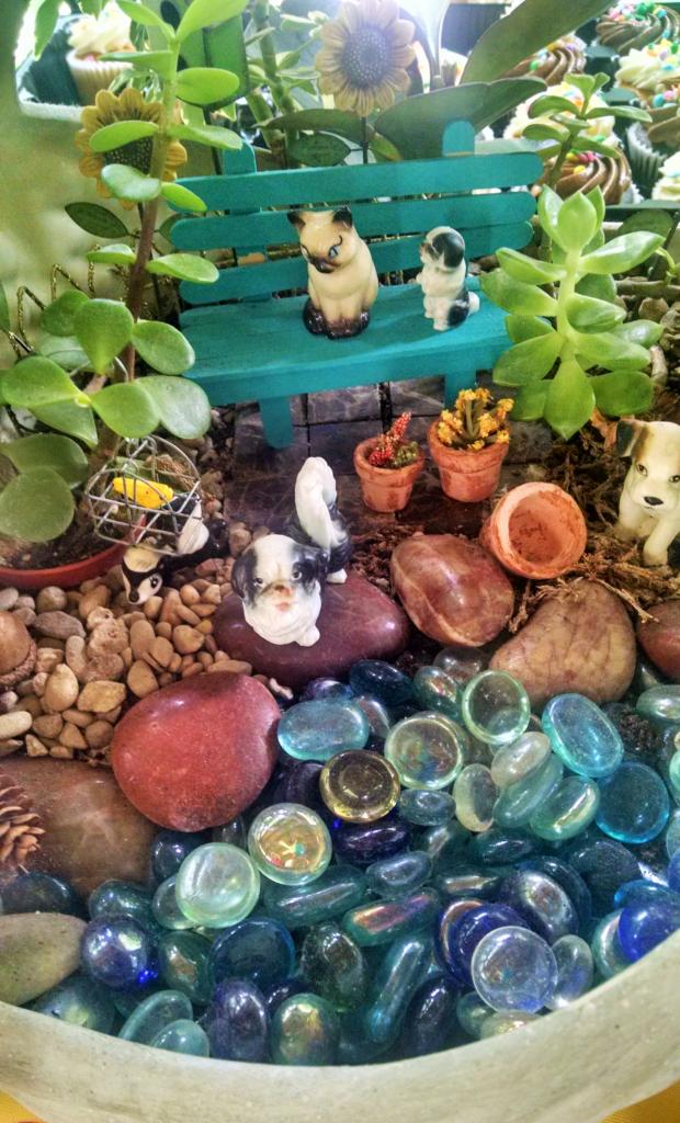 Julia kitten fairy garden